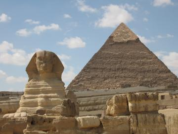 Sphinx and Chefren Pyramid in Giza
