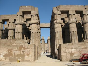 Entrance to the main hall of the Luxor temple