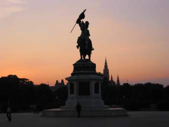 Sundown with statue, Vienna
