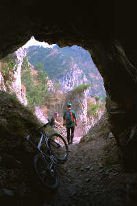 Riding through a cave, 9.5k