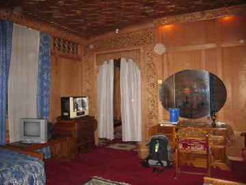 My room on the houseboat on Dal Lake