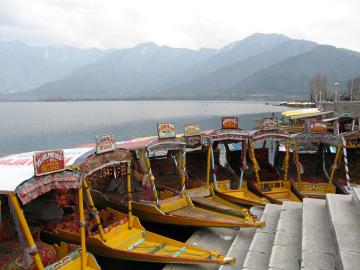 Boats on Dal lake in Srinagar